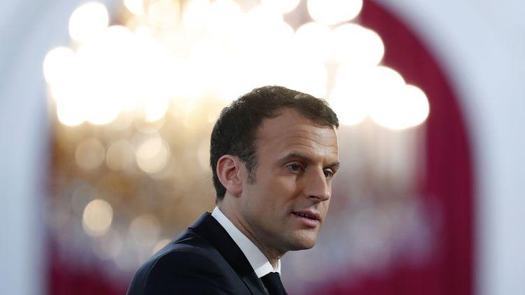 Emmanuel Macron, à l'Elysée, le 16 février 2018. (IAN LANGSDON / AFP)