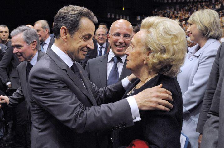Nicolas Sarkozy et Bernadette Chirac, le 20 avril 2012 à Nice (Alpes-Maritimes), à la fin d'un meeting de campagne pour la présidentielle. (PHILIPPE WOJAZER / AFP)
