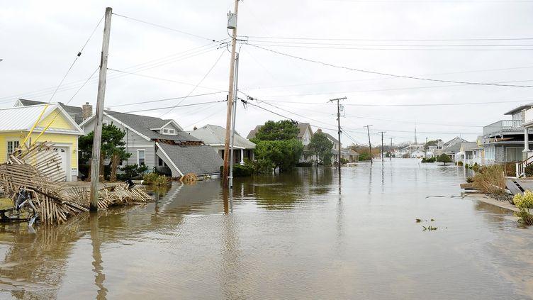 Les rues inondées de Belmar, dans le New Jersey (Etats-Unis), le 30 octobre 2012. (MICHAEL IOCCISANO / GETTY IMAGES NORTH AMERICA / AFP)