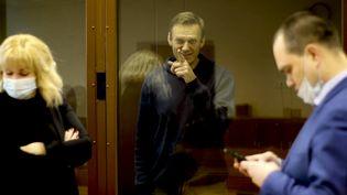 L'opposant russe Alexeï Navalny à l'occasion de son procès, à Moscou, le 16 février 2021. (MOSCOW COURT PRESS SERVICE/HANDO / ANADOLU AGENCY / AFP)