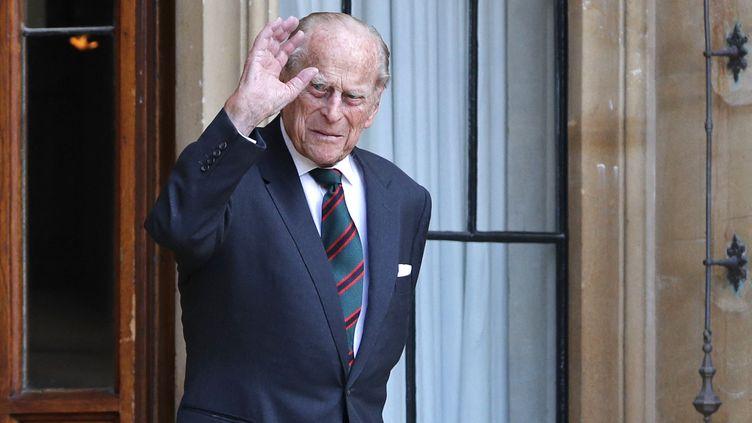 Le prince Philip, duc d'Edimbourg et époux de la reine Elizabeth II, au château de Windsor (Royaume-Uni), le 22 juillet 2020. (ADRIAN DENNIS / AFP)