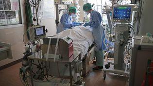 Leservice de réanimation de l'hôpital de la Cavale Blanche à Brest (Finistère), le 15 avril 2021. (MAXPPP)