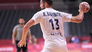 Nikola Karabatic, lors du match entre la France et l'Argentine, le samedi 24 juillet. (KEMPINAIRE STEPHANE / KMSP / AFP)