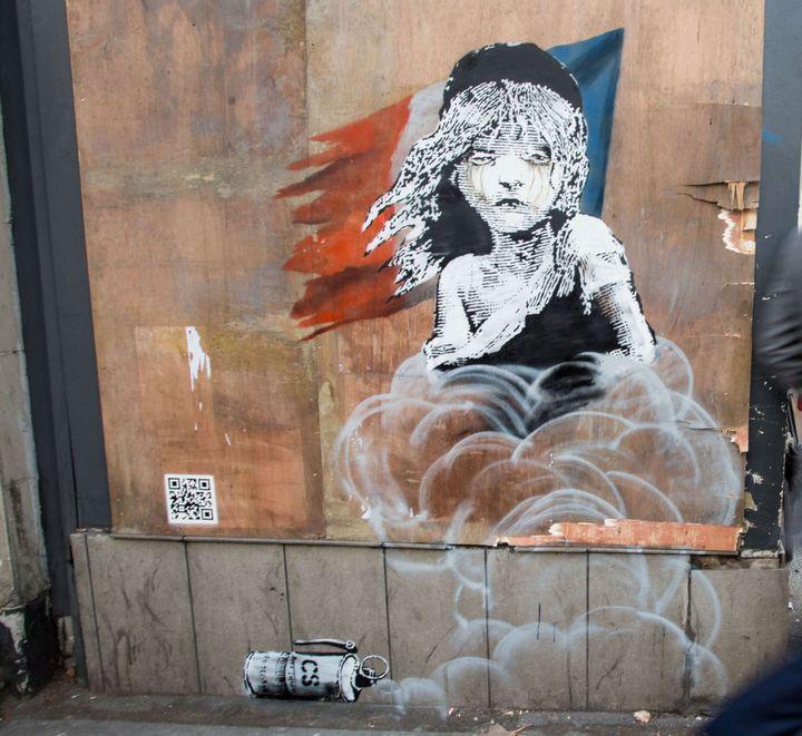 La Cosette de Banksy près de l'ambassade de France à Londres.  (Tom Nicholson/Shutterst/SIPA)