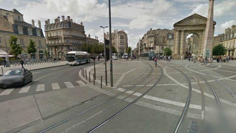 Les rails du tramway, place de la Victoire, à Bordeaux (Gironde). (GOOGLE MAPS / FRANCE 3 AQUITAINE)