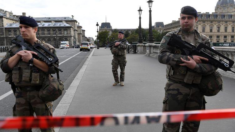Le quartier de la préfecture de Paris bouclé après l'attaque au couteau du 3 octobre 2019. (BERTRAND GUAY / AFP)