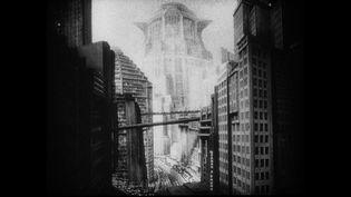 La tour maîtresse de Metropolis, lieu de résidence du maître de la ville  (MK2 Diffusion )