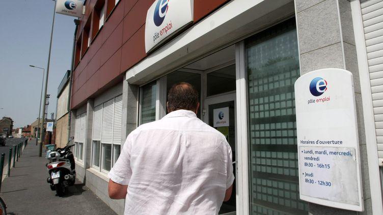 Une agence Pôle emploi à Reims (Marne), le 10 août 2013. ( MAXPPP)