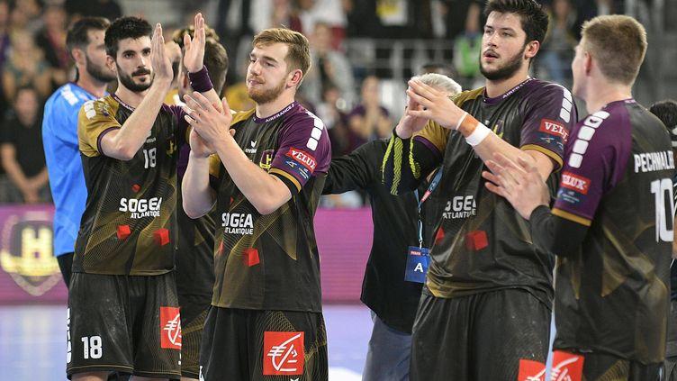Les joueurs nantais saluent leur public (MARC OLLIVIER / MAXPPP)