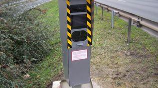 Les radars routiers devraient rapporter 713 millions d'euros à l'Etat en 2013. (CITIZENSIDE.COM / AFP)