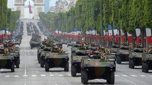 Le 92e régiment d'infanterie de l'armée française sur les Champs-Elysées à Paris, le 14 juillet 2014. (ALAIN JOCARD / AFP)