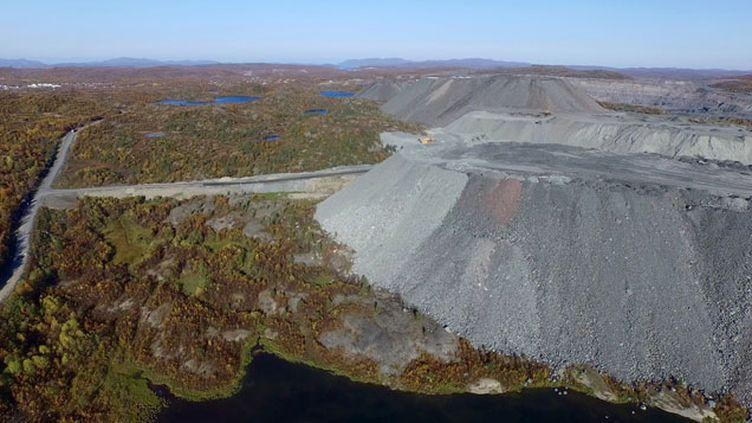 (La mine de fer de Sydvaranger vue du ciel © Bernt Nilsen)