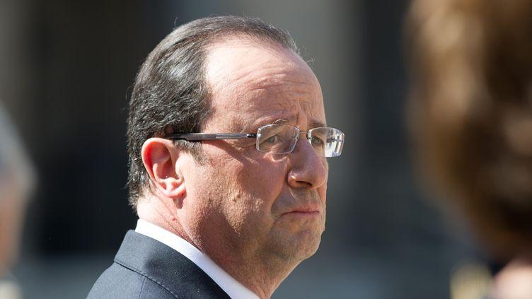 François Hollande aux Invalides, à Paris, le 24 avril 2013. (VILLARD / SIPA)