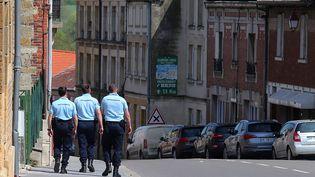 Les gendarmes cherchent Berenyss (retrouvée depuis) le 24 avril 2015 près de son domicile de Grandpré, en Meurthe-et-Moselle. (FRANCOIS NASCIMBENI / AFP)