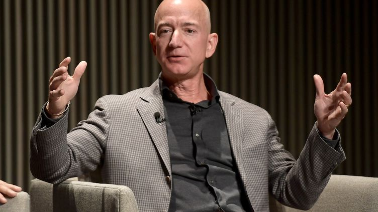 Jeff Bezos, le patron d'Amazon, l'homme le plus riche du monde, à San Francisco (Californie, Etats-Unis), le 15 octobre 2018. (MATT WINKELMEYER / GETTY IMAGES NORTH AMERICA / AFP)