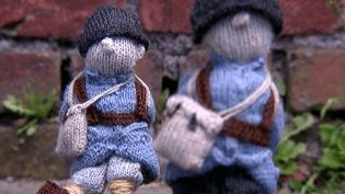 Des centaines de soldats de laine qui seront exposés en décembre 2014 à la Piscine de Roubaix  (France 3 Culturebox)