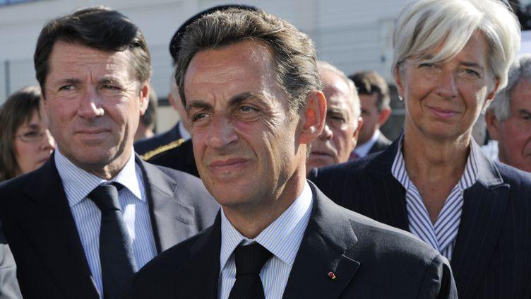 Christian Estrosi et Nicolas Sarkozy, en septembre 2010 à Montbard (Côte-d'Or). (PHILIPPE WOJAZER / AFP)