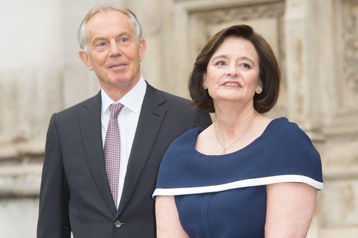 L'ancien Premier ministre britannique Tony Blair et sa femme Cherie à Londres (Royaume-Uni) le 20 juin 2019 (JUSTIN NG / MAXPPP)