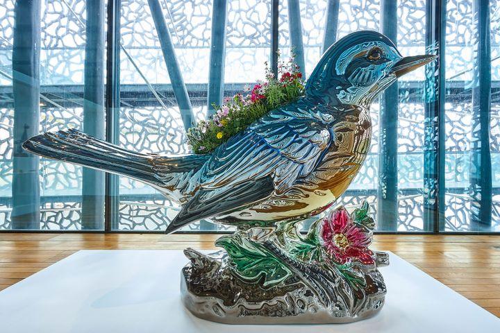 "Jeff Koons. ""Bluebird Planter"", 2010-2016. Pinault Collection (© Jeff Koons, photo : Fredrick Nilsen / Courtoisie Gagosian)"