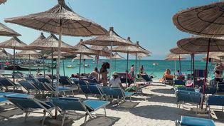 L'Albanie fait partie des plus petits pays d'Europe mais il attire chaque année de plus en plus de touristes. Des eaux turquoise aux lieux historiques, cette république des Balkans a tout pour séduire. (CAPTURE ECRAN FRANCE 2)