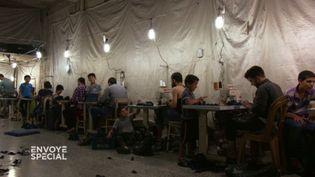 Enfants syriens au travaildans des ateliers de confection turcs. (FRANCE 2)