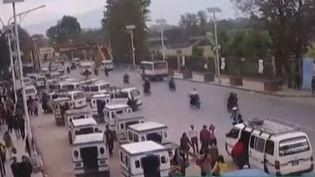 Capture d'écran montrant le centre de Katmandou (Népal) le 25 avril 2015 (APTN )