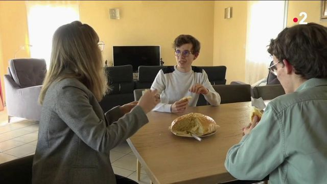 Confinement : la désillusion des étudiants revenus vivre chez leurs parents