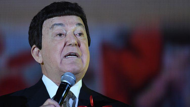Iossif Kobzon, à Moscou, pendant le gala du centenaire de la révolution d'octobre.  (SYISOEV / SPUTNIK)