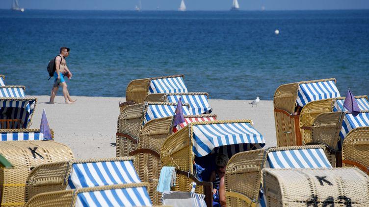 Des antibiotiques ont été retrouvés, notamment, dans la mer Baltique. (CARSTEN REHDER / DPA)
