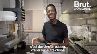 VIDEO. Des souvenirs d'enfance aux odeurs du marché, Mory Sacko raconte toute l'histoire derrière son poulet yassa (BRUT)