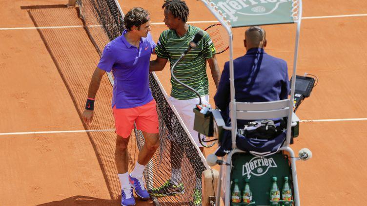 Roger Federer a gagné contre GaëlMonfils à Roland-Garros à Paris, le 1er Juin 2015 (STEPHANE ALLAMAN / AFP)