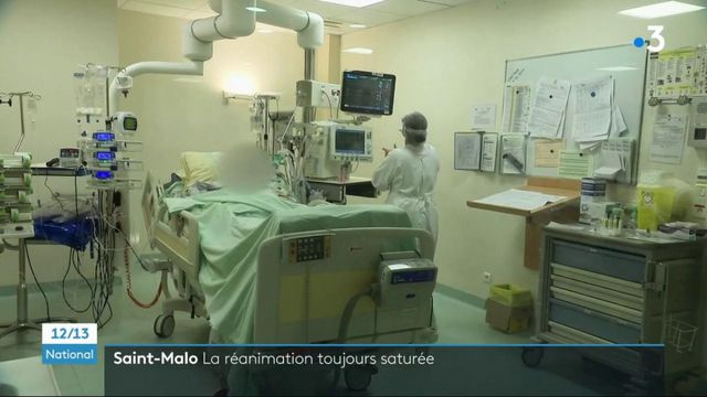 Covid-19 : immersion dans le service de réanimation saturé de l'hôpital de Saint-Malo