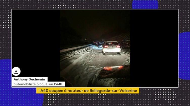 Des automobilistes bloqués sur l'A40 mardi 12 janvier (FRANCEINFO)