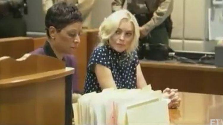 Lindsay Lohan devant ses jueges à Los Angeles (REUTERS)
