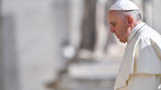 Le pape François le 25 avril 2018 au Vatican. (ANDREAS SOLARO / AFP)