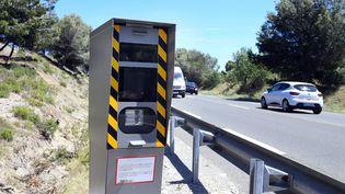 Un radar fixe sur une route à Narbonne (Aude). (  MAXPPP)