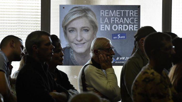 La candidate du Front National refuse de se rendre à la convaction des juges en vue d'une mise en examen. (PASCAL PAVANI / AFP)