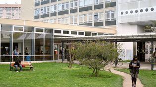 200 étudiants ont déposé une demande après de l'Unef de l'université de Nanterre pour obtenir une place dans cette université à la rentrée. (MARC WATTRELOT / AFP)