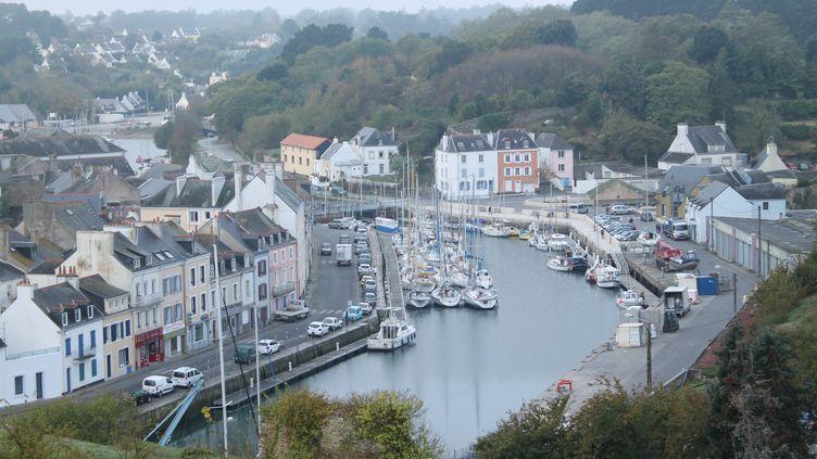 Le port du Palais à Belle-île-en-Mer (Morbihan), avec le bassin à flot, en octobre 2018. (AURÉLIE LAGAIN / FRANCE-BLEU BREIZH IZEL)