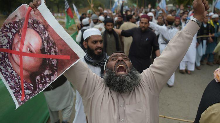 Une manifestation après l'annonce de l'acquittement d'Asia Bibi à Islamabad, au Pakistan, le 2 novembre 2018. (AAMIR QURESHI / AFP)