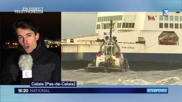 Calais : déséchouage d'un ferry dans le port
