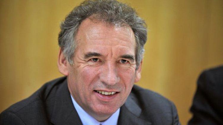 François Bayrou participe à une réunion lors d'une visite à Noyal-Pontivy, le 6 octobre 2011. (AFP - Frank Perry)