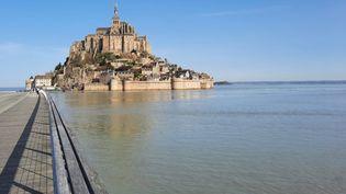 Une partie de l'abbaye, appelée la Merveille, est en cours de restauration au Mont Saint-Michel. (ANNE CHEPEAU / RADIO FRANCE)