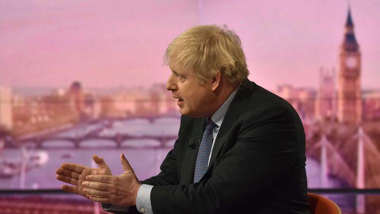 Boris Johnson, interviewé par la BBC le 1er décembre 2019. (JEFF OVERS / BBC)