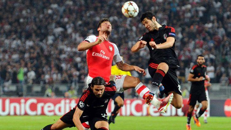 Olivier Giroud n'a eu de bons ballons à se mettre sous la dent. (OZAN KOSE / AFP)