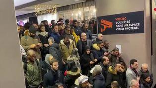 Grève du 9 décembre : des trains et des bus pris d'assaut (CAPTURE ECRAN FRANCE 2)