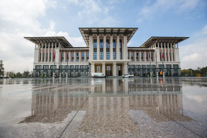 Le nouveau palais présidentiel turc, à Anakara, la capitale de la Turquie, le 29 octobre 2014. (AYKUT UNLUPINAR / ANADOLU AGENCY / AFP)