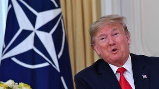 Donald Trump, le 3 décembre 2019, lors d'un point de presse avec le secrétaire général de l'Otan Jens Stoltenberg, à Londres. (NICHOLAS KAMM / AFP)