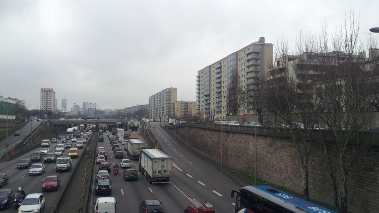 Le boulevard périphérique à Paris, en 2015. (EMILIE DEFAY / FRANCE BLEU / RADIO FRANCE)