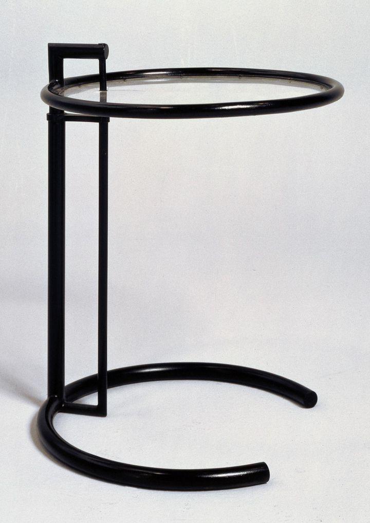 Eileen Gray, Table ajustable, 1926-29, Mobilier provenant de la maison E 1027. Centre Pompidou, Musée national d'art moderne, Paris  (Centre Pompidou / photo :Jean-Claude Planchet)